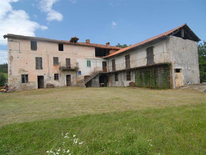 Rustico / Casale in vendita a Vicoforte, 13 locali, prezzo € 330.000   PortaleAgenzieImmobiliari.it