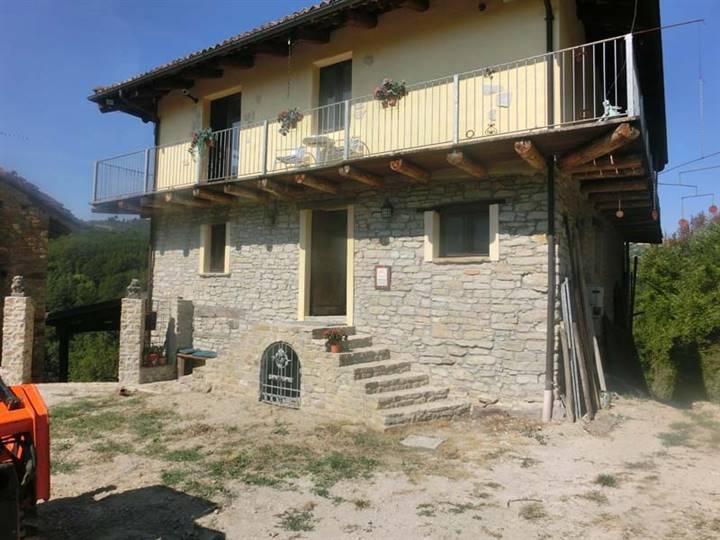 Rustico / Casale in vendita a Arguello, 10 locali, prezzo € 450.000 | PortaleAgenzieImmobiliari.it