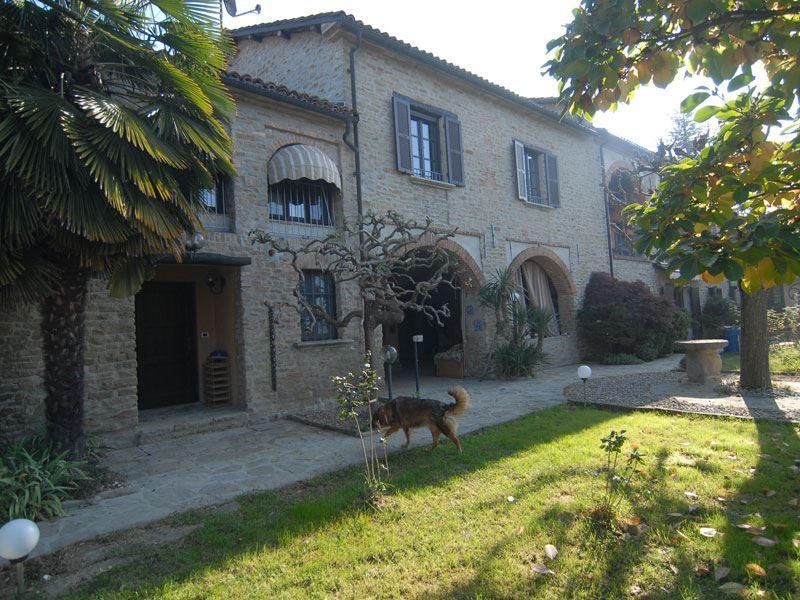 Rustico / Casale in vendita a Castino, 12 locali, prezzo € 1.350.000 | PortaleAgenzieImmobiliari.it
