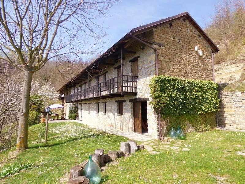 Rustico / Casale in vendita a Mombarcaro, 7 locali, prezzo € 295.000 | PortaleAgenzieImmobiliari.it