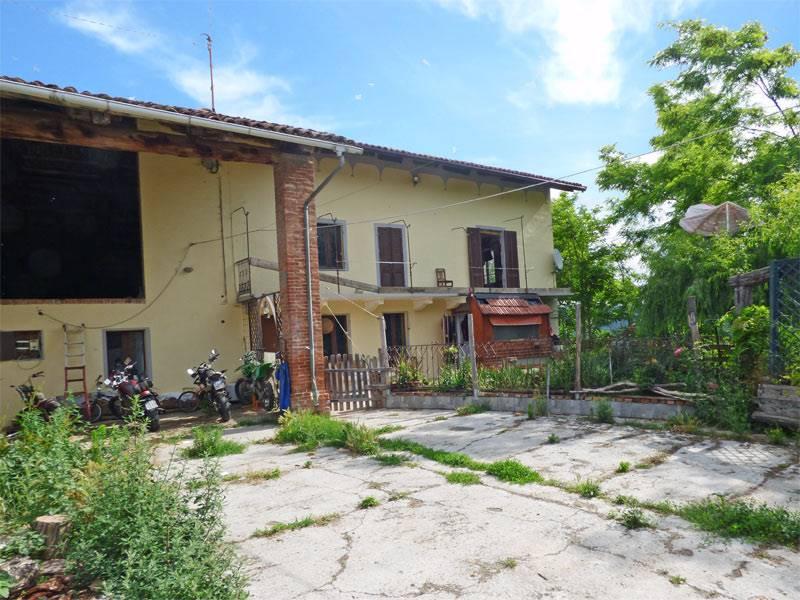 Rustico / Casale in vendita a Lequio Tanaro, 12 locali, prezzo € 125.000 | PortaleAgenzieImmobiliari.it