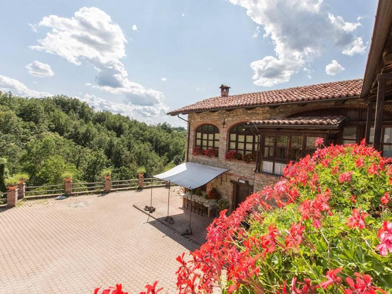 Rustico / Casale in vendita a Murazzano, 10 locali, prezzo € 770.000 | PortaleAgenzieImmobiliari.it
