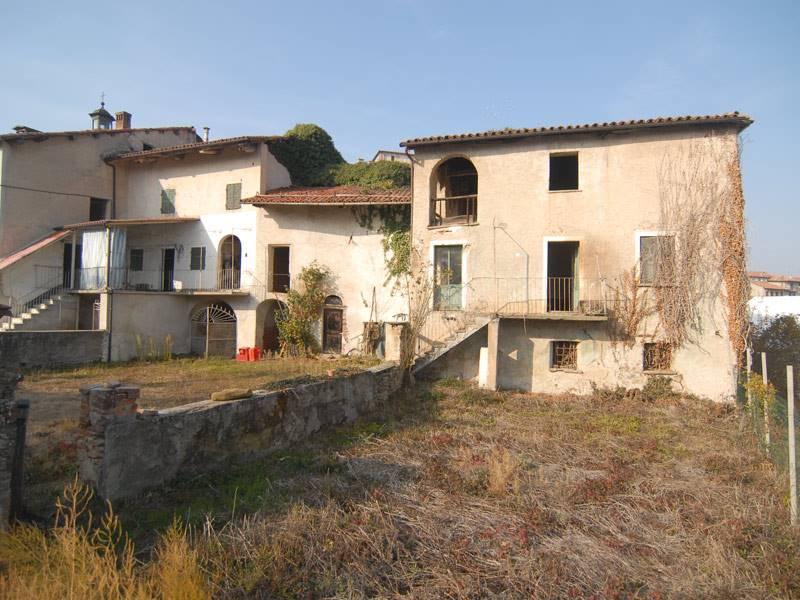 Rustico / Casale in vendita a Cigliè, 13 locali, prezzo € 90.000   PortaleAgenzieImmobiliari.it