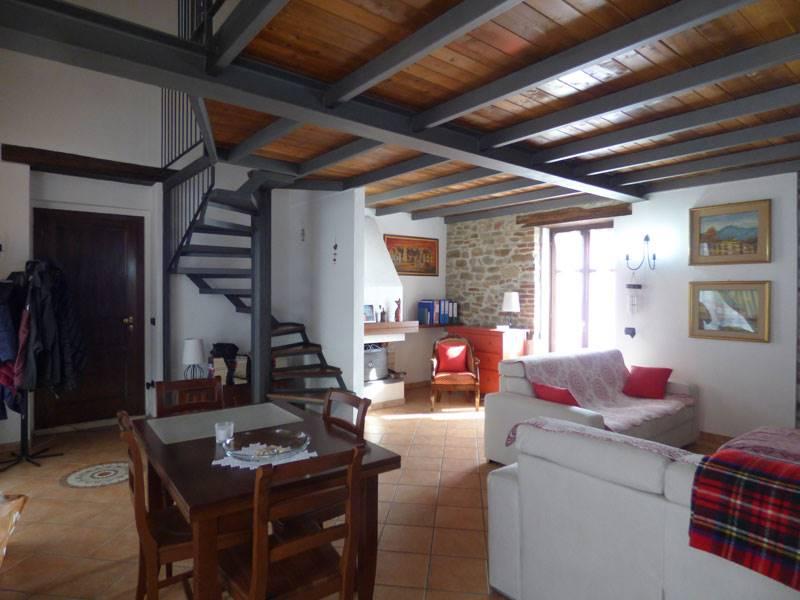 Soluzione Semindipendente in vendita a Serravalle Langhe, 6 locali, prezzo € 200.000   PortaleAgenzieImmobiliari.it