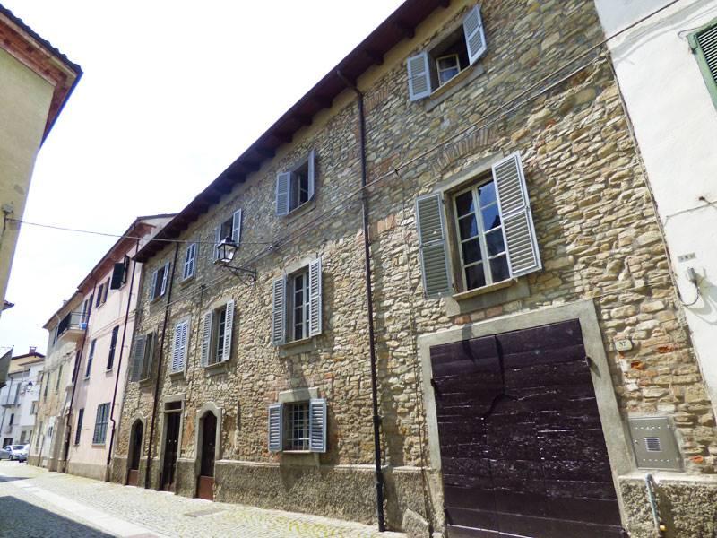 Rustico / Casale in vendita a Bistagno, 15 locali, prezzo € 400.000 | PortaleAgenzieImmobiliari.it