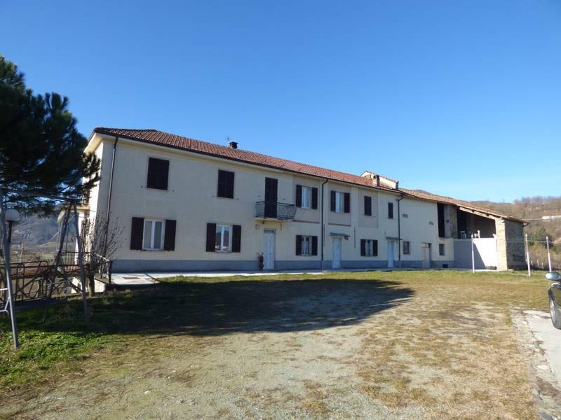 Rustico / Casale in vendita a Spigno Monferrato, 13 locali, prezzo € 395.000 | PortaleAgenzieImmobiliari.it