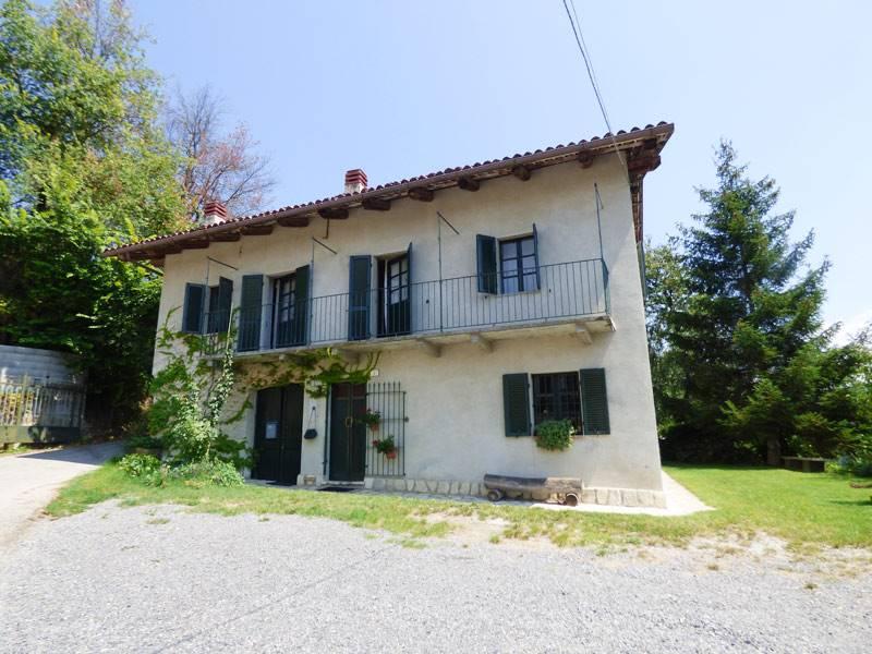 Rustico / Casale in vendita a Roddino, 6 locali, prezzo € 250.000 | PortaleAgenzieImmobiliari.it