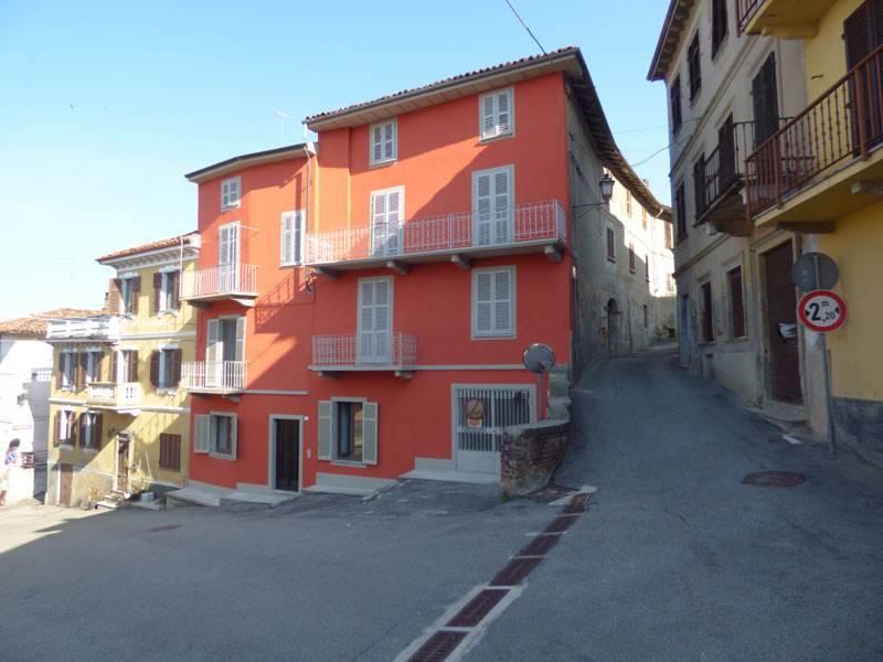 Soluzione Semindipendente in vendita a Vignale Monferrato, 20 locali, prezzo € 260.000   PortaleAgenzieImmobiliari.it