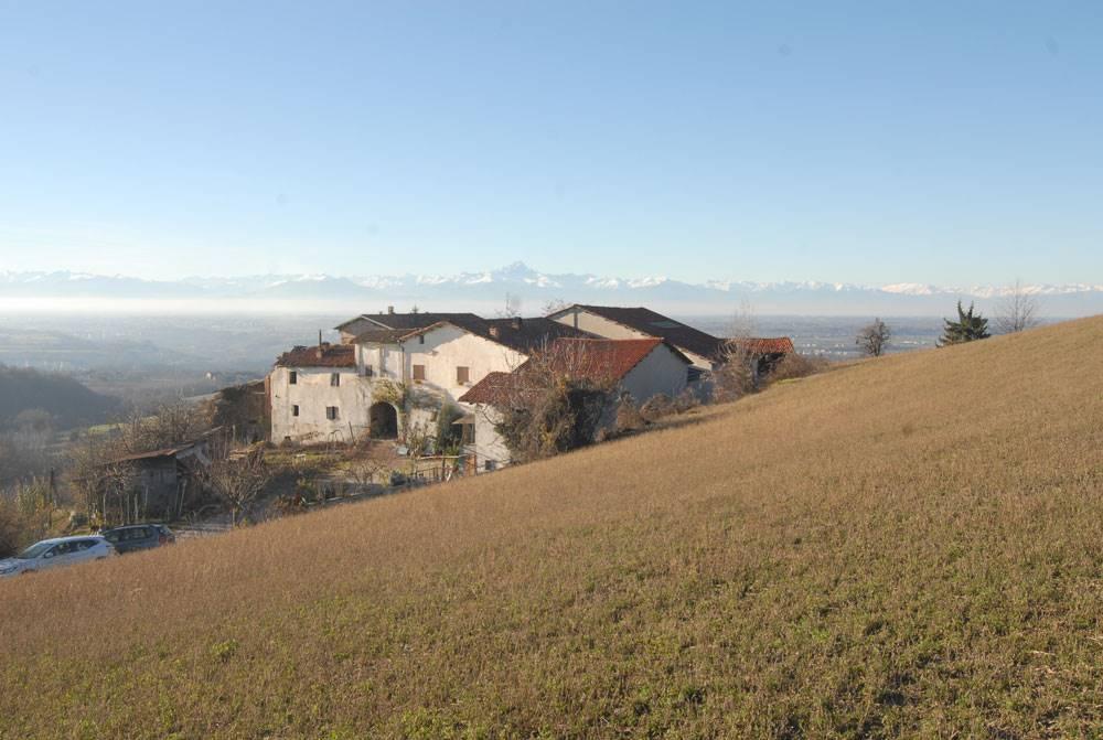 Rustico / Casale in vendita a Bastia Mondovì, 14 locali, prezzo € 260.000 | PortaleAgenzieImmobiliari.it