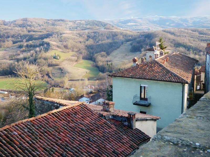 Soluzione Semindipendente in vendita a Sale San Giovanni, 10 locali, prezzo € 145.000 | PortaleAgenzieImmobiliari.it