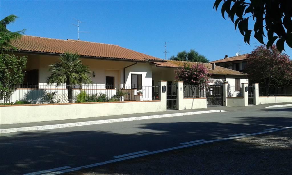 Villa, Santa Maria Di Rispescia, Grosseto, in ottime condizioni