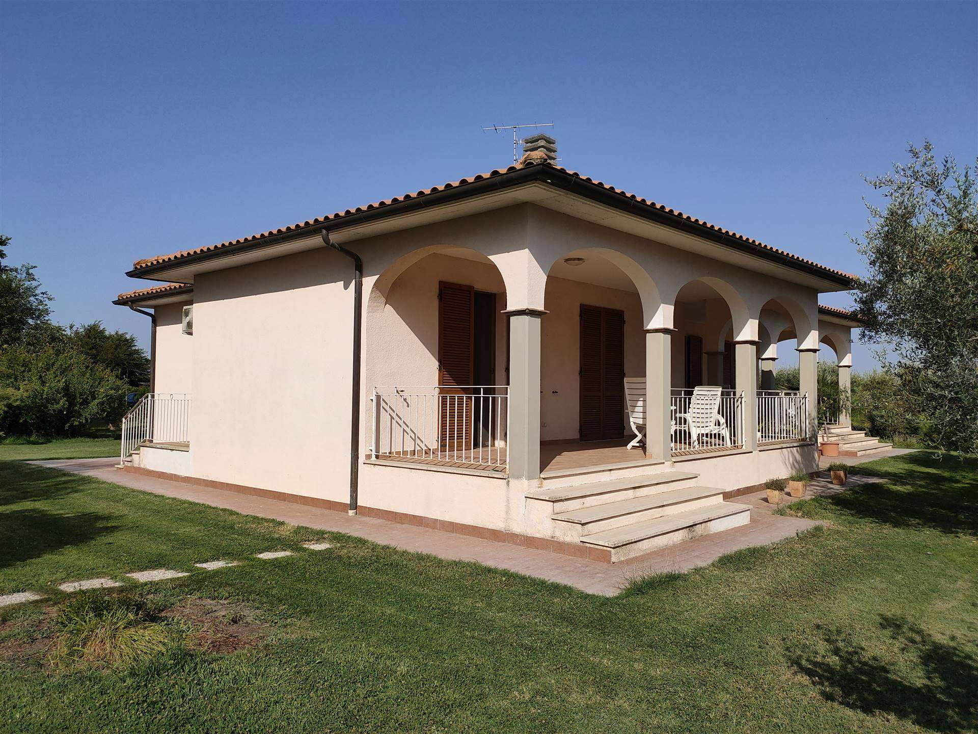 BARBARUTA, GROSSETO, Villa for rent of 150 Sq. mt., New construction, Heating Individual heating system, Energetic class: G, Epi: 175 kwh/m2 year,