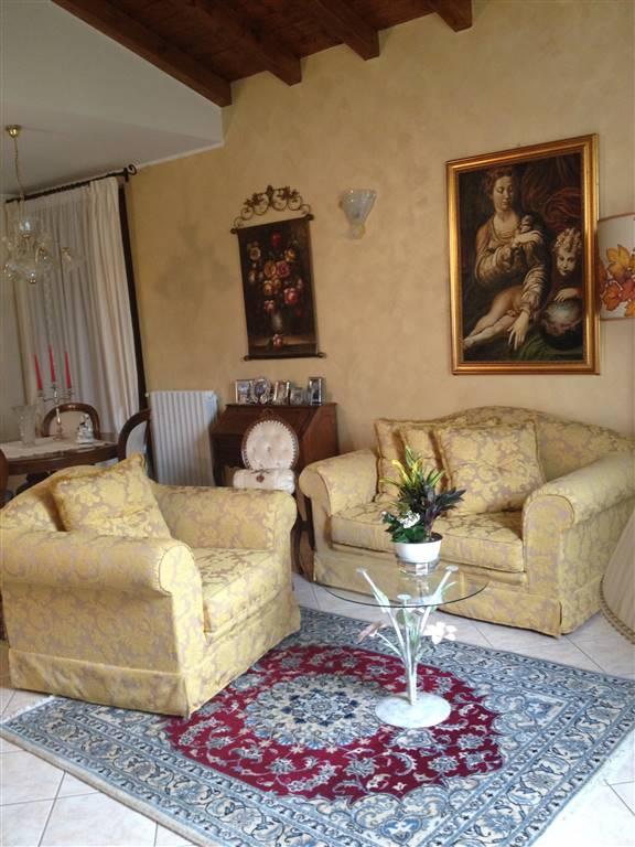 Villa, Borgarello, in ottime condizioni
