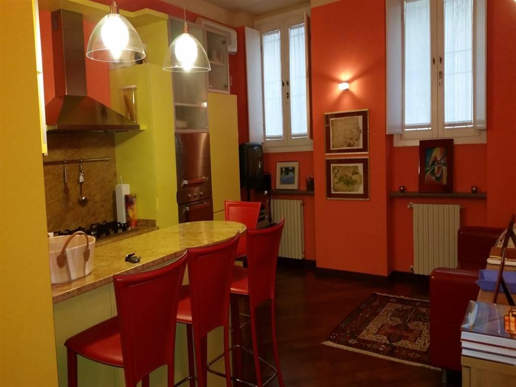Trilocale, Centro Storico, Pavia, in ottime condizioni