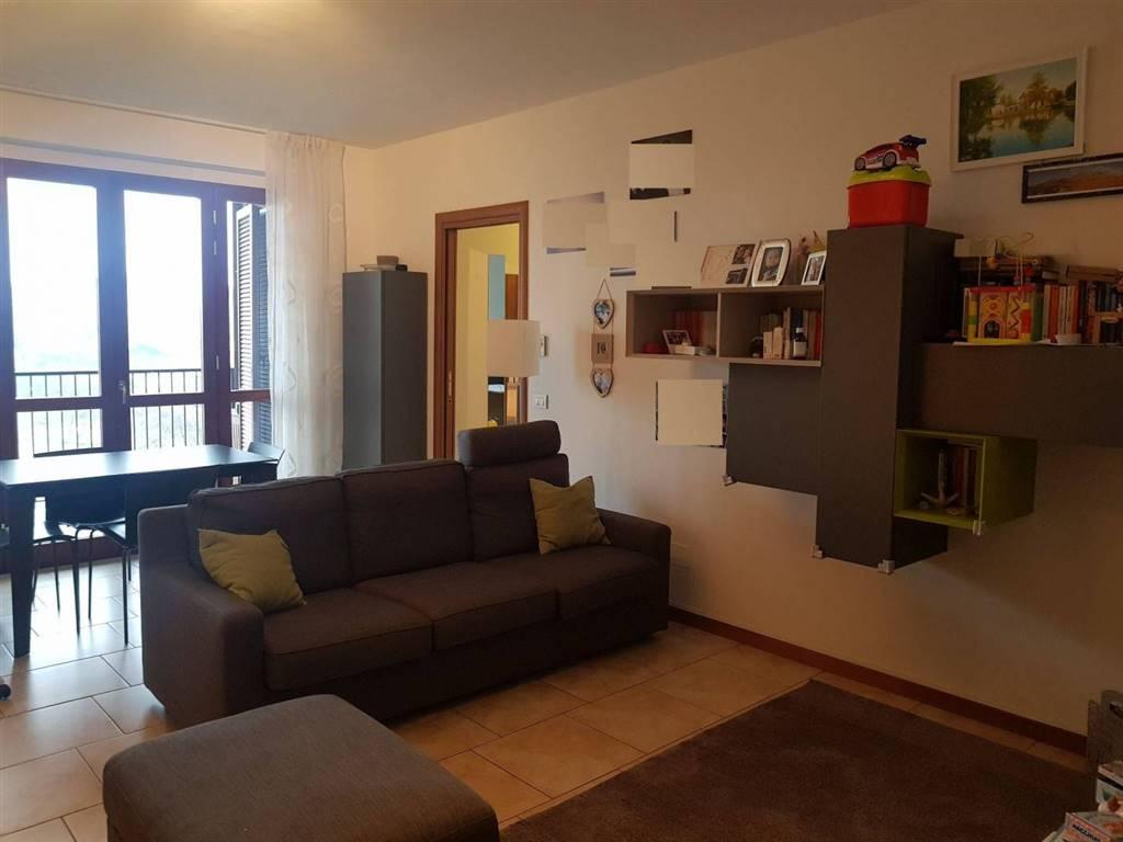 Trilocale, V.le Riviera - Casa Sul Fiume, Pavia, in ottime condizioni