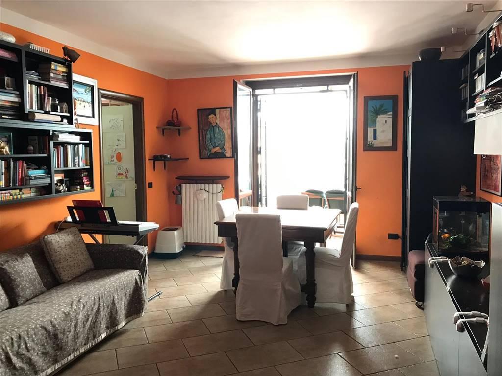 Trilocale, Pompieri - S. Giovannino, Pavia, in ottime condizioni