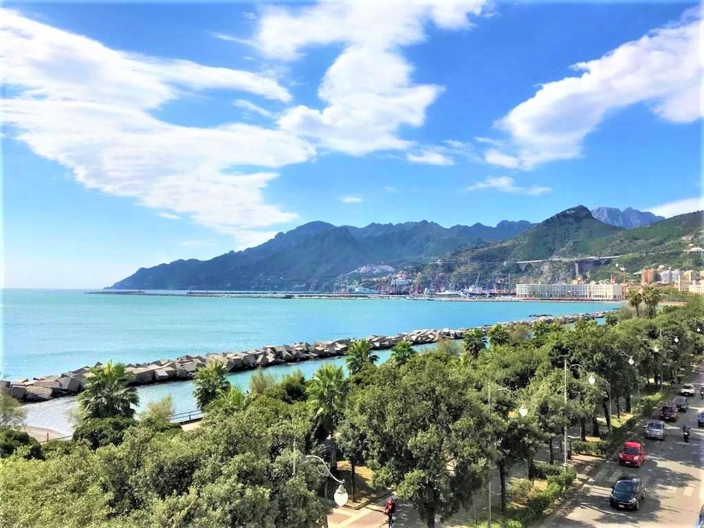 Appartamento in Lungomare Trieste 50, Centro, Salerno