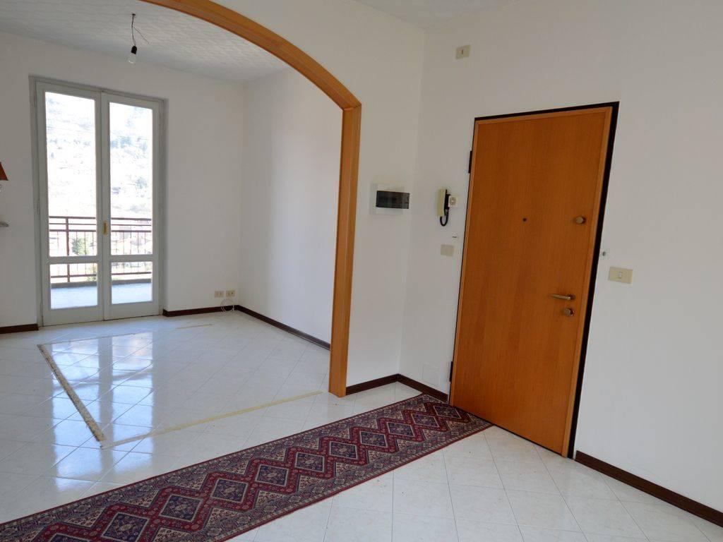 Appartamento in vendita a Casale Corte Cerro, 3 locali, prezzo € 110.000 | PortaleAgenzieImmobiliari.it