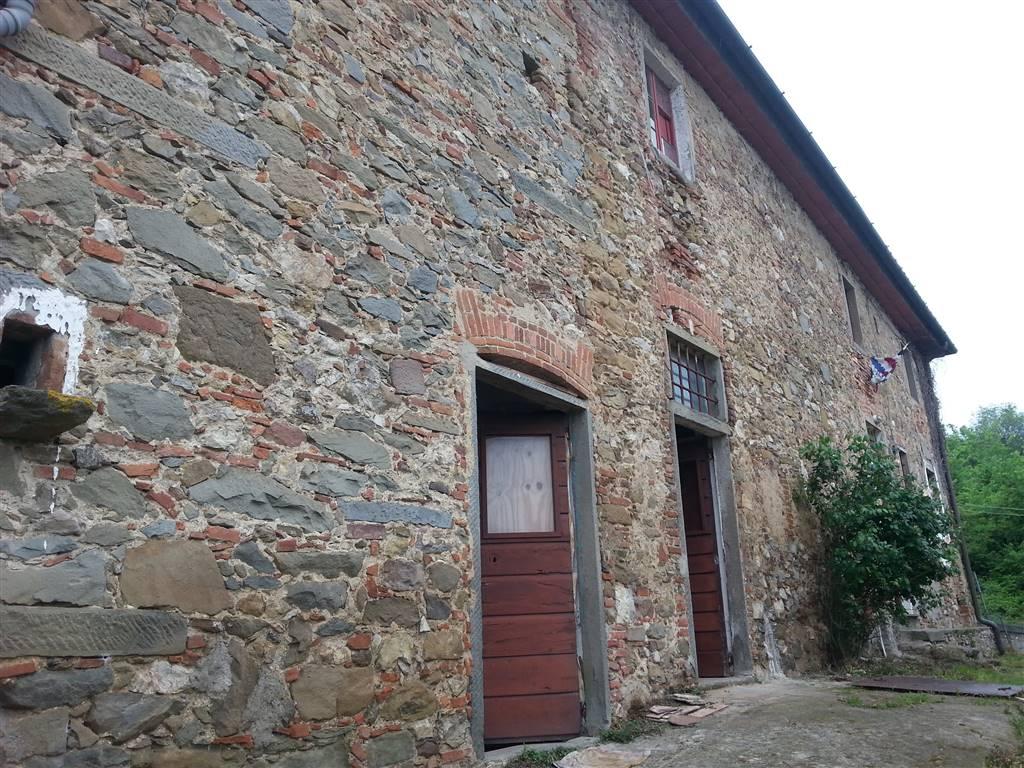 Colonica, Montemagno, Quarrata, da ristrutturare