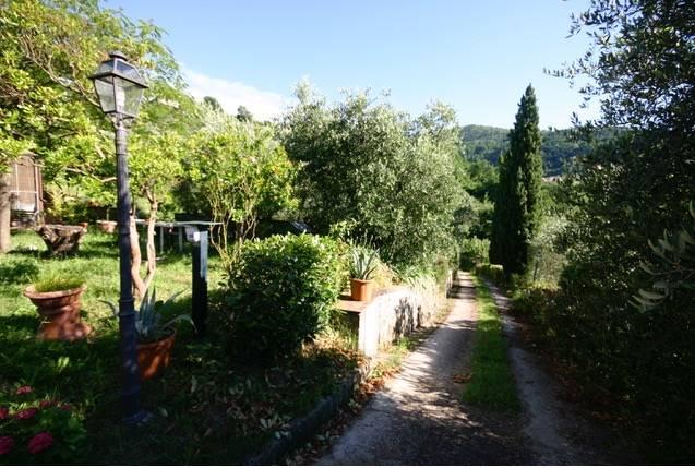 Colonica, Montemagno, Quarrata, in ottime condizioni