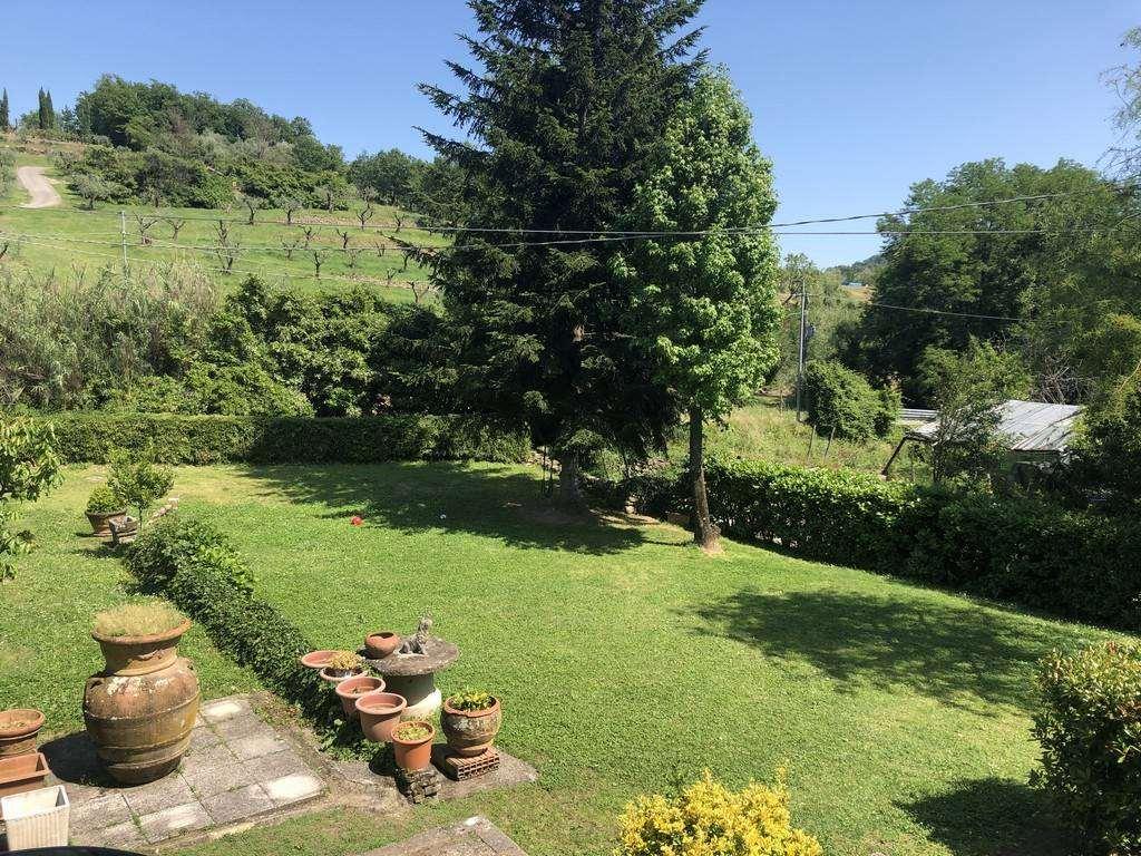 Villa a schiera, Ponte Di Serravalle, Serravalle Pistoiese