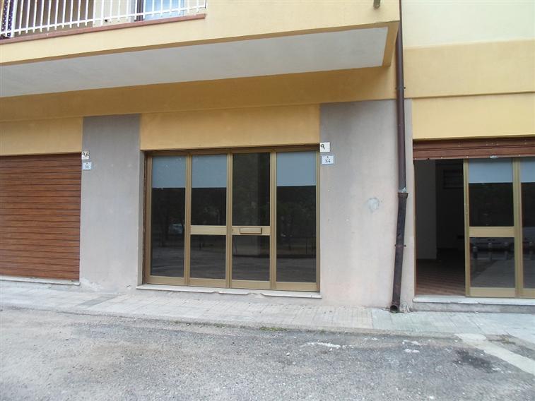 Locali commerciali nuoro in vendita e in affitto cerco for Cerco locali commerciali in affitto roma
