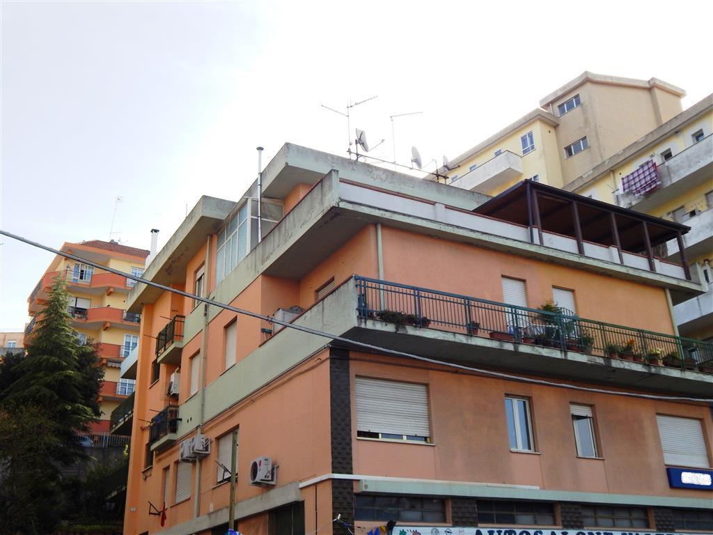 Appartamento in Via Mughina  73, Semicentro, Nuoro
