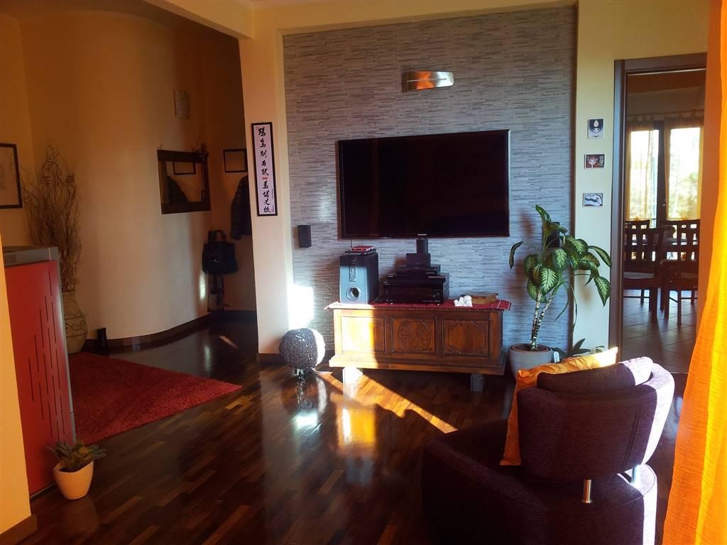 Appartamento in Via Lamarmora, Centro, Nuoro