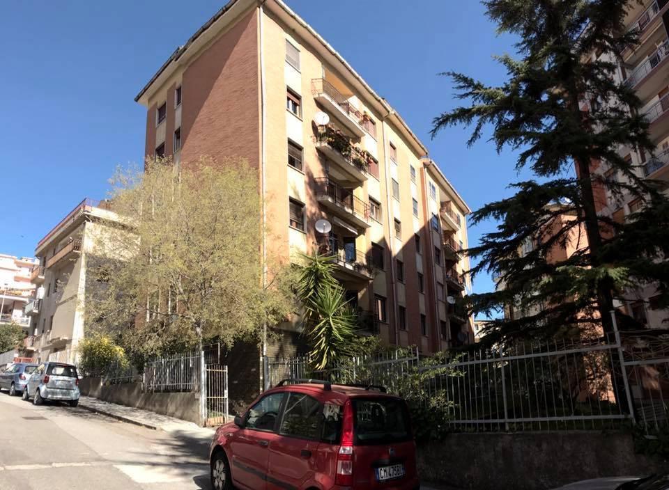 Appartamento in Via Gioberti  9, Semicentro, Nuoro