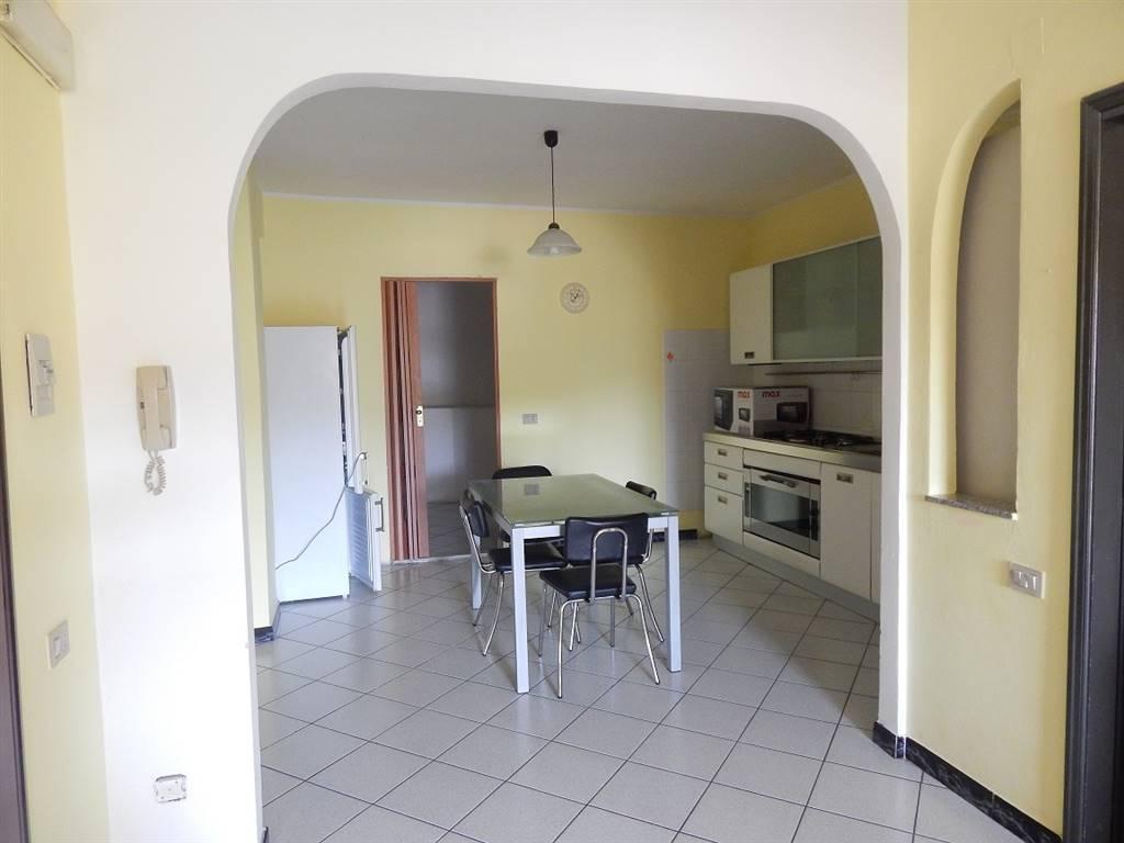 Appartamento in Via Monsignor Melas 44, Centro, Nuoro