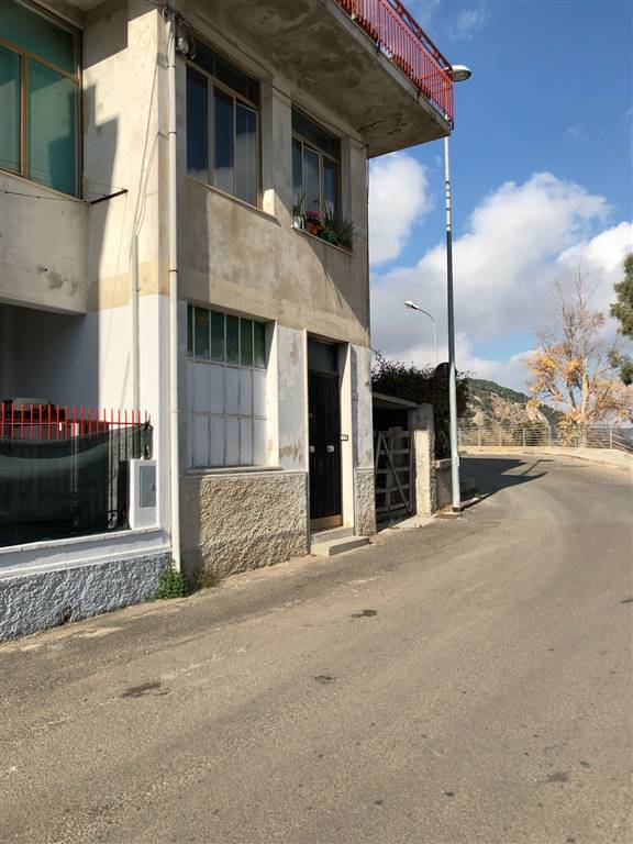 Quadrilocale in Via Nurra, Periferia, Nuoro