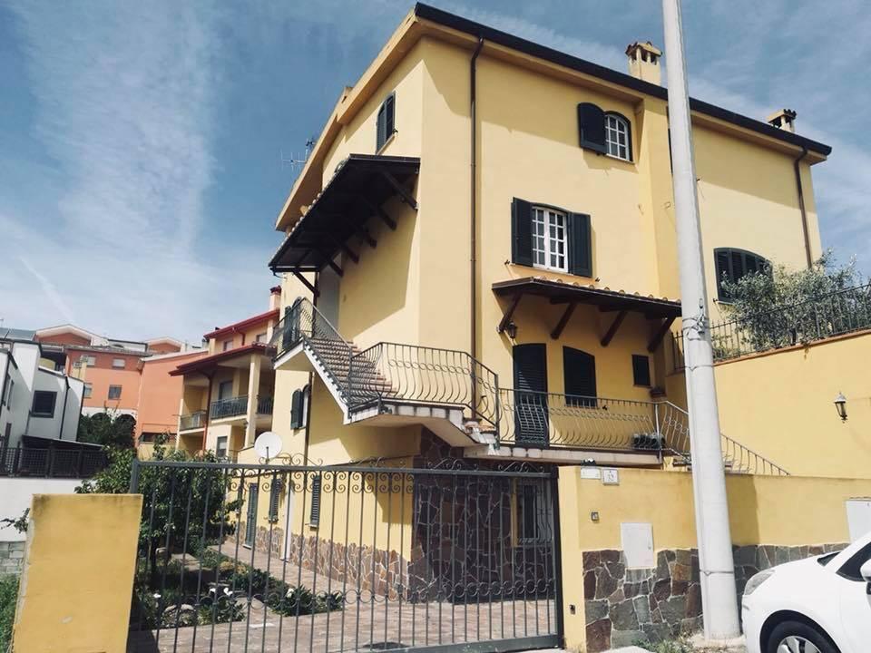 Casa singola in Via Marco Polo 30, Semicentro, Nuoro