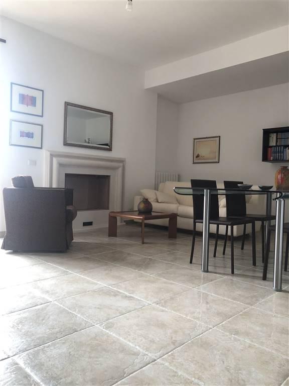 Appartamento in Via Gramsci, Centro, Nuoro