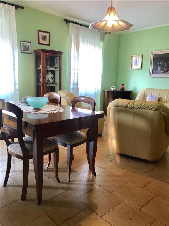 Appartamento in Via Rossini, Centro, Nuoro