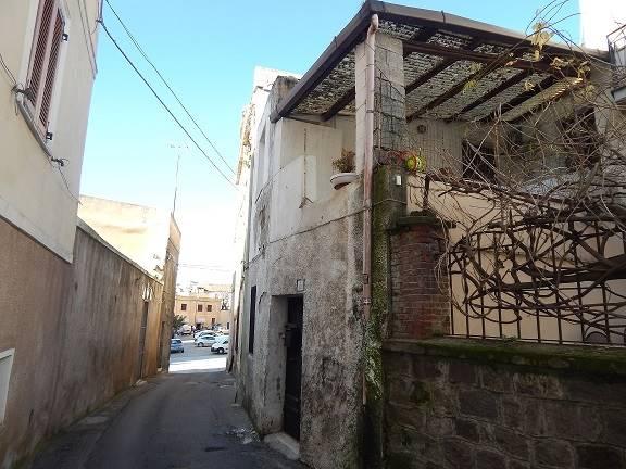 Quadrilocale in Via Ferracciu, Centro, Nuoro