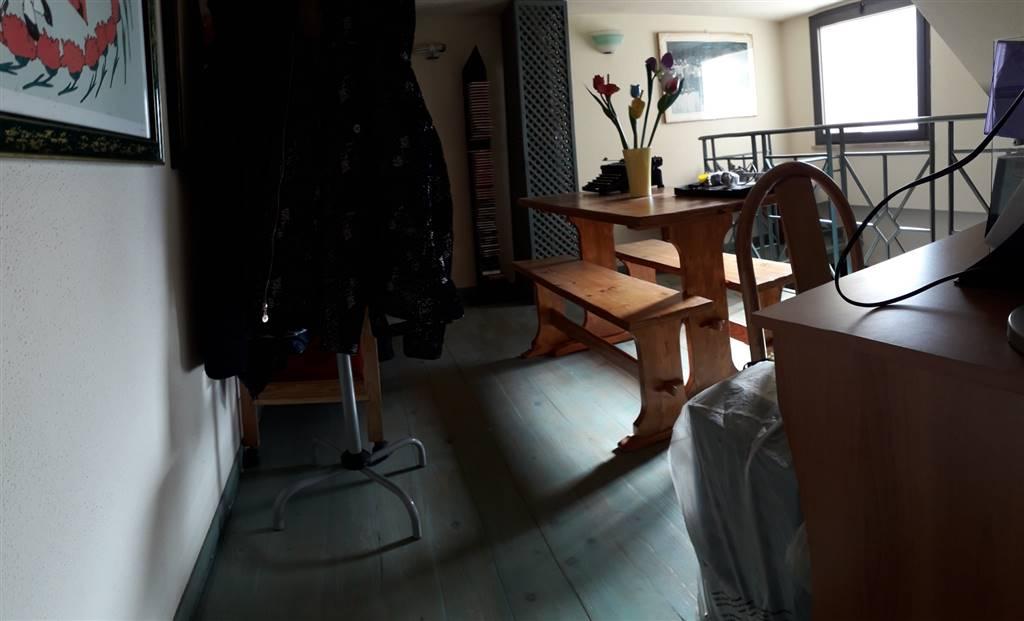 Casa singola, Semicentro, Nuoro, in ottime condizioni