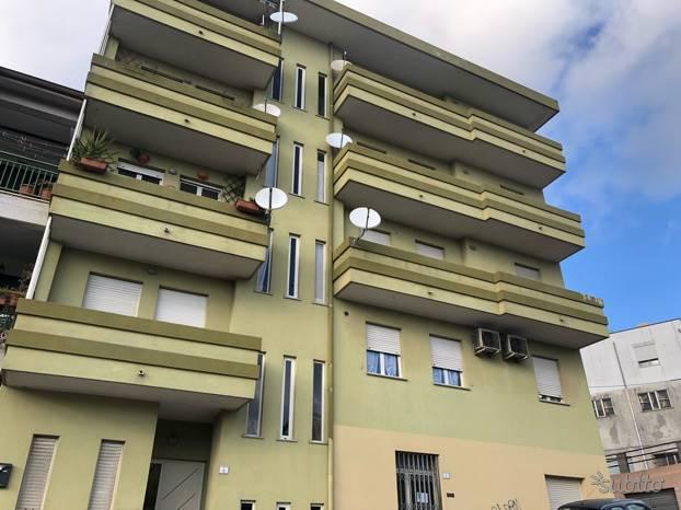 Bilocale in Via Amerigo Vespucci, Semicentro, Nuoro