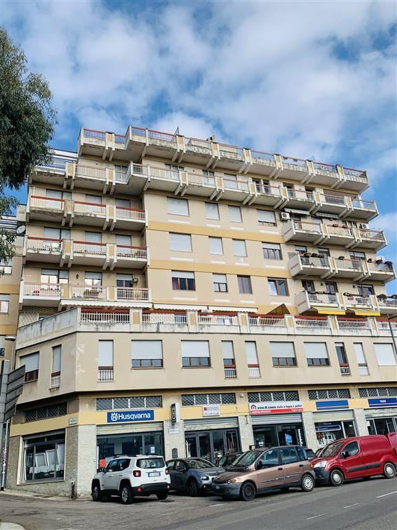 Appartamento in Viale Ciusa, Semicentro, Nuoro