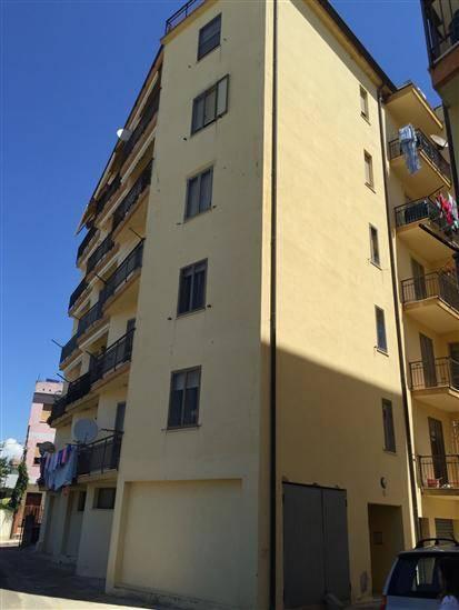 Appartamento in Via Trento, Centro, Nuoro