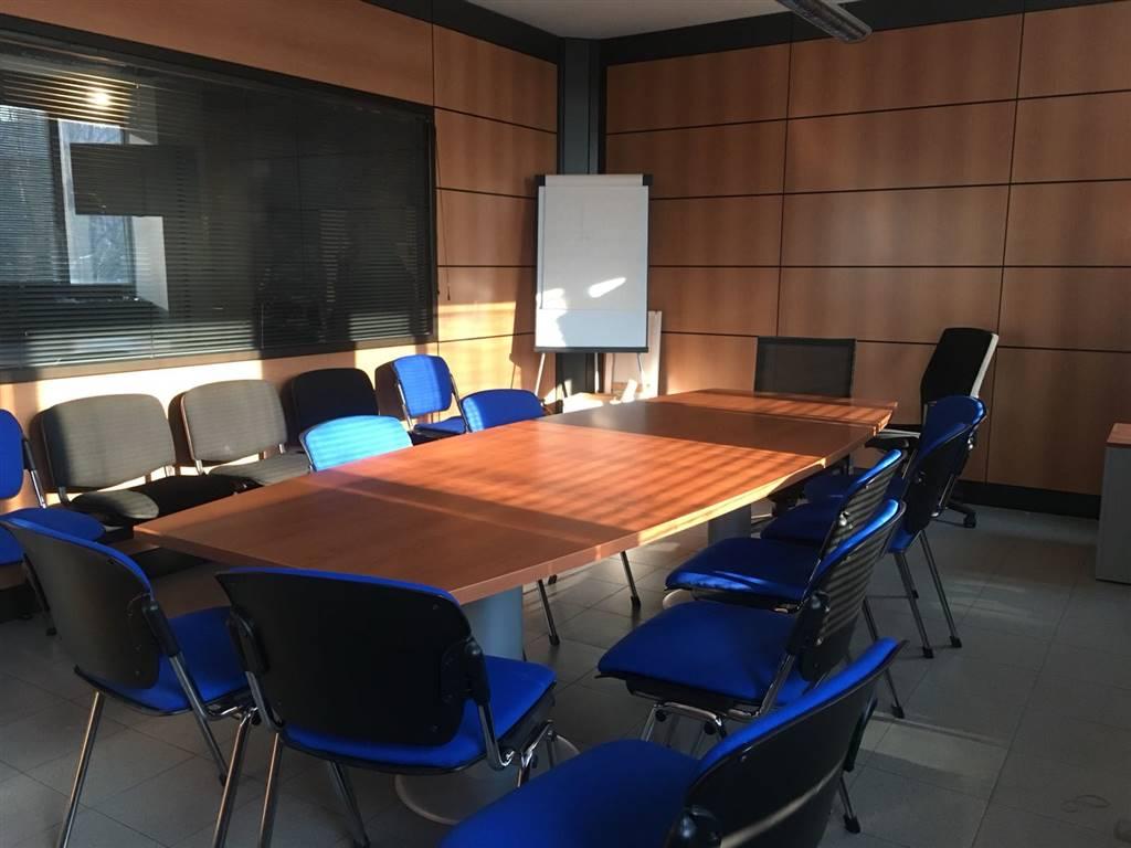 Uffici prato in vendita e in affitto cerco ufficio prato for Cerco ufficio in affitto