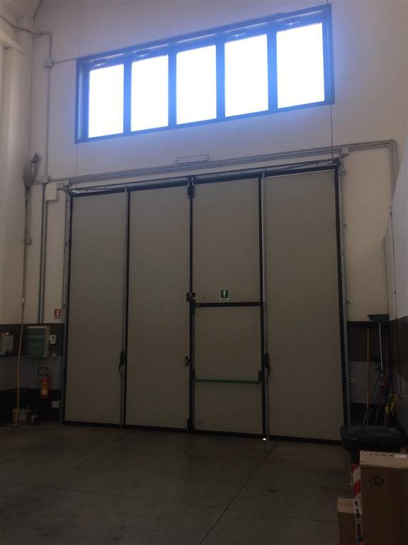 PAPERINO, PRATO, Industrial warehouse for rent of 300 Sq. mt., Excellent Condition, Energetic class: G, Epi: 212 kwh/m3 year, placed at Ground,