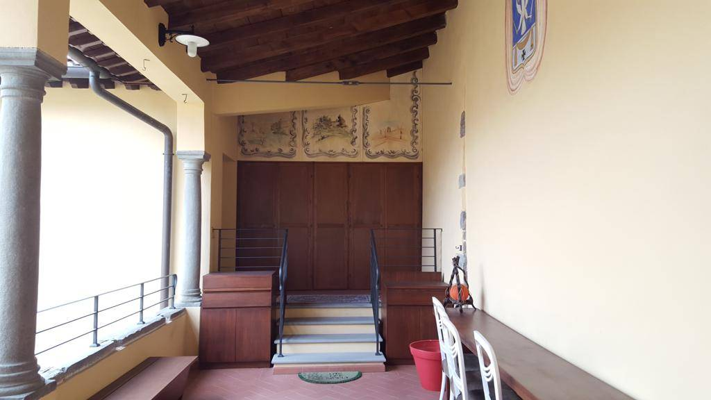 Appartamento in affitto a Montemurlo, 5 locali, prezzo € 2.200 | CambioCasa.it