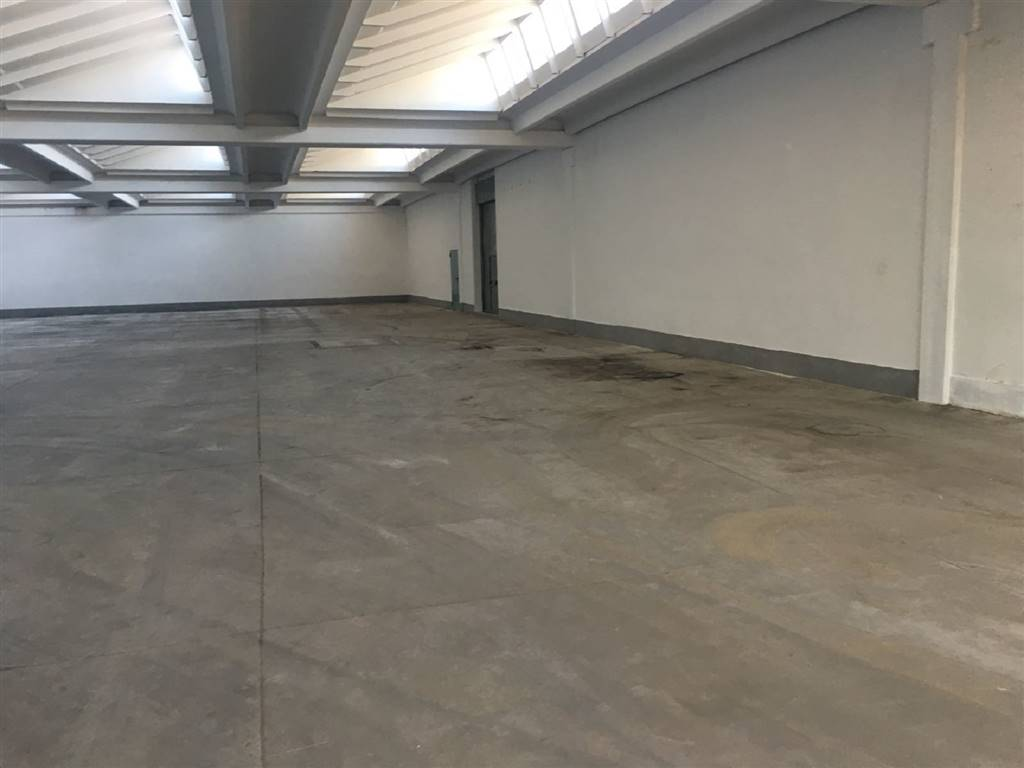 BADIE, PRATO, Industrial warehouse for rent of 1500 Sq. mt., Excellent Condition, Heating Non-existent, Energetic class: G, placed at Ground,