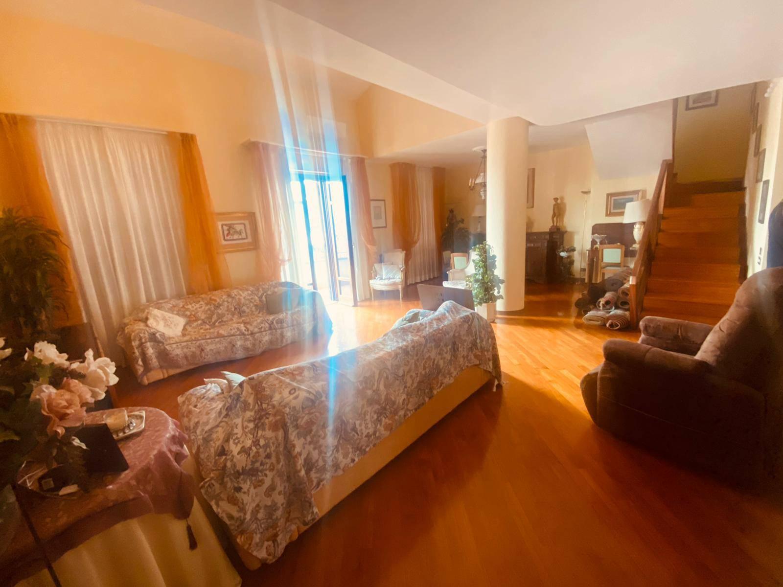 Attico / Mansarda in vendita a Prato, 8 locali, zona ellina, prezzo € 900.000   PortaleAgenzieImmobiliari.it