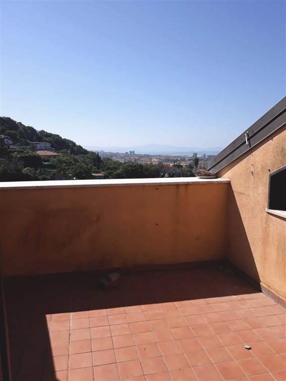 Appartamento in affitto a Salerno, 3 locali, zona Località: TORRIONE ALTO, prezzo € 650 | CambioCasa.it
