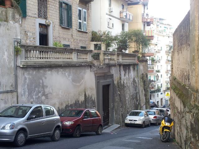 Trilocale salerno vendita zona centro storico 70 for Case in vendita salerno centro