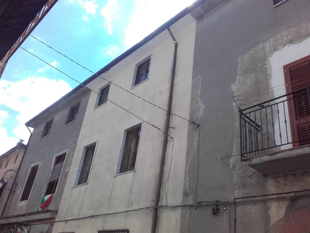Mansarda in Via Michele Izzo, Preturo, Montoro