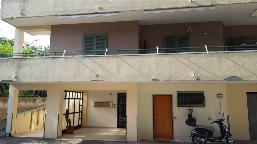 vendita appartamento, via p. del pezzo, torrione, salerno, in ottime condizioni, primo piano, riscaldamento autonomo - rif. ri-parco torrione