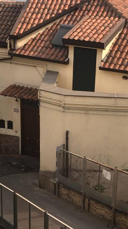 Trilocale, Centro Storico, Salerno, in ottime condizioni