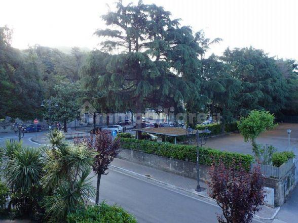 Appartamento in vendita a Baronissi, 4 locali, prezzo € 190.000 | CambioCasa.it